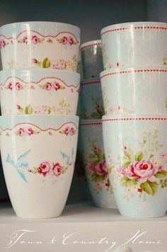 Pretty shabby chic cups