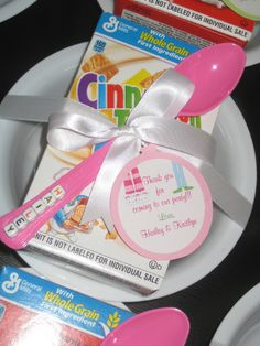Great idea to have a sleepover party and have these cute cereal box packets in the morning! Great idea to have a sleepover party and have these cute cereal box packets in the morning! Slumber Party Favors, Sleepover Birthday Parties, Girl Sleepover, Birthday Fun, Llama Birthday, 12th Birthday, Birthday Ideas, Pyjamas Party, Pj Party
