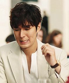Animated gif about gif in Lee min ho by yaseminnn Handsome Actors, Handsome Boys, Asian Actors, Korean Actors, Legend Of Blue Sea, Kim Joong Hyun, Lee Min Ho Photos, Choi Jin Hyuk, Kdrama Actors
