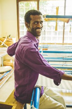 """""""I learnt how to weave in my home village, where this craftsmanship is really rooted into our culture. I like my work because I have a market where to sell my products and when I'm not doing that, I teach my skills to others."""" says Denke, an artisan in Et"""