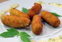 Erdäpfel-Kürbiskern-Kroketten mit Schnittlauchsauce