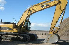 (903) 832-7535 - Nash CAT Cshaterpillar earth moving mining industrial petroleum agricultural machinery parts, Nash TX Cat Caterpillar truck combine ag equipment dealer, Nash CAT Caterpillar handlers loaders excavators Nash, A #Cat excavator getting ready to move some dirt