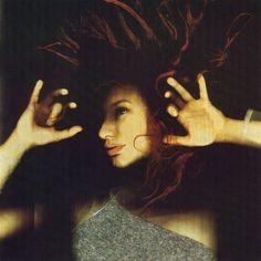 "Katerina Jebb photo de Tori Amos pour son album ""From the Choirgirl Hotel"" (1998)"