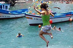 Keeping cool at July Fiestas in Puerto de la Cruz, Tenerife
