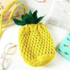 Pineapple bag Purse Cross-body Bag Pineapple Crochet Beach bag Yellow... ($17) ❤ liked on Polyvore featuring bags, handbags, shoulder bags, purse shoulder bag, shoulder handbags, beach tote bags, hobo crossbody handbags and crossbody shoulder bags