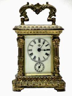 carriage clock Antique Pendulum Wall Clock, Antique Wall Clocks, Classic Clocks, Carriage Clocks, Retro Clock, Clocks For Sale, Wall Clock Online, Old Wall, Key Lock