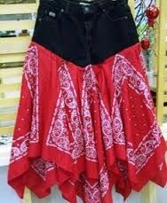 red blue jean and bandana skirt-rachel Bandana Skirt, Artisanats Denim, Denim Ideas, Denim Crafts, Altering Clothes, Recycled Denim, Clothing Hacks, Costume Halloween, Handmade Skirts