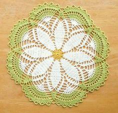Sweet Daisy Doily - free pattern