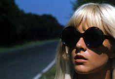 Sylvie Vartan #blonde #sunglasses #portrait
