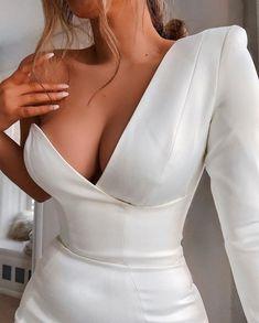 January 25 2020 at fashion-inspo Elegant Dresses, Pretty Dresses, Beautiful Dresses, Classy Outfits, Cute Outfits, Evening Dresses, Prom Dresses, Long Dresses, Mode Glamour