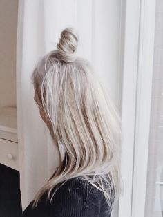 mini + top knot+hair color