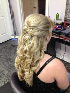 half up half down wedding bridal hairstyle