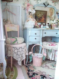 4 Admirable Tips: Shabby Chic Pillows Ceilings shabby chic kitchen furniture.Shabby Chic Bedding For Girls. Shabby Chic Mode, Style Shabby Chic, Shabby Chic Farmhouse, Shabby Chic Interiors, Shabby Chic Living Room, Shabby Chic Bedrooms, Shabby Chic Kitchen, Shabby Chic Cottage, Shabby Chic Furniture