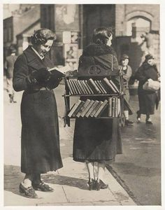London, 1950.  Libri Usati e Antichi. Valutazioni Storia Trucchi Curiosità