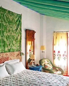 Cheap Home Decor .Cheap Home Decor Style At Home, Living Room Decor, Bedroom Decor, Warm Bedroom, Bedroom Ceiling, Bedroom Curtains, Master Bedroom, Green Apartment, Indian Home Decor