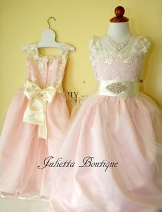 Sizes 6-10 Vintage pink flower girl dress with a rhinestone buckle. Ivory  lace 465d713668eb