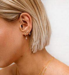 Piercing Oreille Anti Helix, Ohrknorpel Piercing, Bijoux Piercing Septum, Upper Ear Piercing, Triple Lobe Piercing, Ear Piercings Rook, Pretty Ear Piercings, Ear Peircings, Types Of Ear Piercings