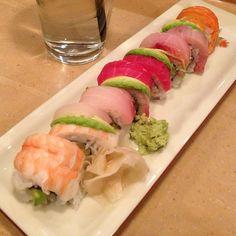 Something slight #rainbowroll #sushi - @dap_- #webstagram