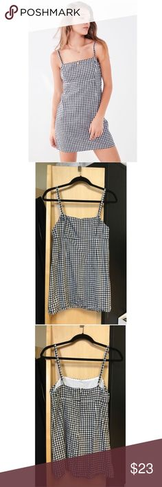 Urban Outfitters Gingham Dress Reposhed, never worn. Size 2, although runs a little bit small! Great dress! Urban Outfitters Dresses Mini
