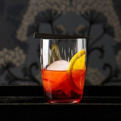 Negroni | Classic cocktail recipes include a perfectly balanced daiquiri and a refreshing mint julep. Plus more classic cocktails.