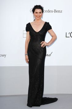 Julianna Margulies went with a tried and true combination: a sparkly black gown (L'Wren Scott, in this case) and plenty of diamonds. Unmemorable, but flattering and quite lovely.