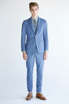 Spring 2015 color trend will be welcomed with open arms. Baby boy blue, powder blue, call it what you will. The shade is an old favorite of all my male clients, making the trend easy to achieve. Latest Mens Fashion, Fashion News, Fashion Show, Men's Fashion, 2015 Color Trends, Bridesman, Gentleman Style, Gq, Celebrity Style