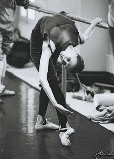 ImageFind images and videos about dance, ballet and dancer on We Heart It - the app to get lost in what you love. Svetlana Zakharova, Let ́s Dance, Just Dance, Dance Photos, Dance Pictures, Tango, Jazz, Rudolf Nureyev, Dance Like No One Is Watching
