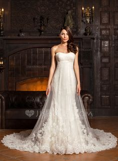 Trumpet/Mermaid Sweetheart Chapel Train Tulle Lace Wedding Dress With Ruffle (002067213) - JJsHouse