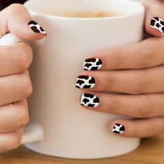 In search for some nail designs and some ideas for your nails? Listed here is our list of must-try coffin acrylic nails for stylish women. Short Nail Designs, Gel Nail Designs, Cute Nail Designs, Black Nails With Designs, Disney Nail Designs, Nail Design Glitter, Nail Design Spring, Nails Design, Design Ongles Courts