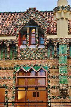 El Capricho de Gaudí                                                                                                                                                      Más
