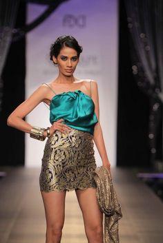 Shantanu & Nikhil Wills Lifestyle India Fashion Week 2012 Autumn Winter Collectionn India Fashion Week, Fashion Show, Fashion Looks, Wills Lifestyle, Fall Winter, Autumn, Show Photos, Winter Collection, Ethnic
