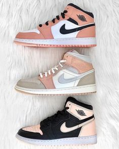 Dr Shoes, Cute Nike Shoes, Swag Shoes, Cute Sneakers, Nike Air Shoes, Hype Shoes, Shoes Sneakers, Sneakers Style, Air Jordan Sneakers