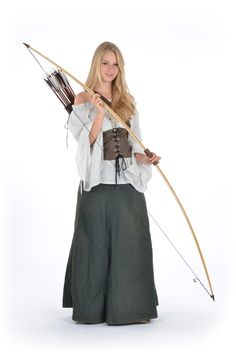 Jay's weapon of choice - the English Longbow Archery Girl, Archery Hunting, Hunting Bows, Deer Hunting, English Longbow, Medieval Clothing, Medieval Outfits, Traditional Archery, Medieval Costume