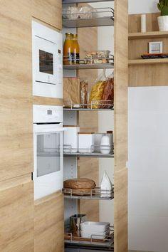 Small kitchen layout: tips to save space, storage - Modern Kitchen Cabinets, Kitchen Furniture, Kitchen Interior, New Kitchen, Kitchen Dining, Kitchen Decor, Kitchen Ideas, Wood Furniture, Kitchen Organisation