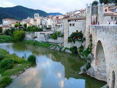Besalú Girona by vicentecamarasa, via Flickr