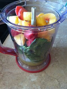 Old Soul Charm in a Modern Life: SUPER Pregnancy Green Smoothie *Blender *Crushed ice *Water/{Orange} juice *Spinach *{Mixed} frozen fruit *Banana Best Smoothie Recipes, Yummy Smoothies, Yummy Drinks, Healthy Drinks, Healthy Snacks, Healthy Recipes, Healthy Eats, Green Smoothies, Detox Smoothies