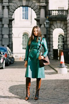 celebrity Stylist and swimwear designer, Lisa Marie Fernandez, Somerset House, London, green leather trench coat, very chic style Tip