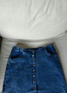 Kup mój przedmiot na #vintedpl http://www.vinted.pl/damska-odziez/spodnice/12917387-dzinsowa-spodniczka-linia-a-na-guziki-36-cropp