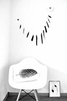 MyHomeDesign invite les rêveuses à découvrir une tendance toute en douceur : les plumes dans la déco. Lire l'article >>> www.myhomedesign.... #plumes #decomural #papierpeint #coussin