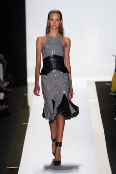 Our top 10 favorite looks from the Herve Leger by Max Azria spring/summer 2014 show at New York Fashion Week. Ny Fashion Week, New York Fashion, Runway Fashion, Fashion Show, Fashion Art, Fashion Trends, Max Azria, Bcbg, Herve Leger Dress