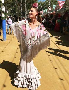 Pipa Porras con traje de flamenca de José Hidalgo en la Feria de Abril 2018. Foto: Instagram Fashion Dresses, Foto Instagram, Gowns, Fashion Show Dresses, Vestidos, Dresses, Gown, Nightgown, Formal Dresses