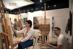 Check for upcoming masterclasses, courses, workshops and life drawing sessions at Palette Art School. Register online to secure your spot in one of our masterclasses.