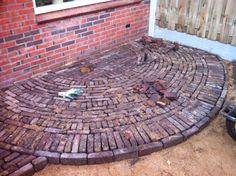 Ideas Brick And Stone Patio Pathways Garden Pavers, Brick Garden, Garden Stones, Backyard Seating, Backyard Patio Designs, Pergola Patio, Diy Concrete Patio, Diy Patio, Brick Paving