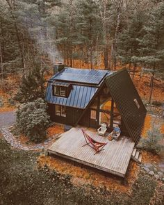 Cozy Zen Tiny House Ideas for Small Spaces Zen small house concepts. There are many house forms. A tiny house. Small, people may be surprised. Haus Am See, Casas Containers, A Frame Cabin, A Frame House Plans, Tiny House Plans, Cabins And Cottages, Log Cabins, Tiny House Design, Cabin Design