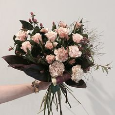 """#vaness #flower #vanessflower #flowergram #florist #instaflower #handtied #Academy #plant"