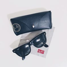 Ray Ban Wayfarer Sunglasses Tortoise  RB2140 Lightly worn Ray-Ban original Wayfarer Classic Sunglasses. Leopard frame/Green lens. Great condition. Case and cleaning cloth included. Ray-Ban Accessories Sunglasses