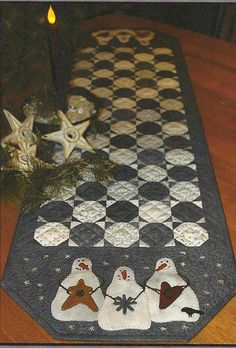 Primitive Folk Art Wool Applique/Quilt Pattern: SNOWBALL RUNNER