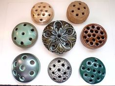 8 Vintage Pottery Flower Frogs | eBay