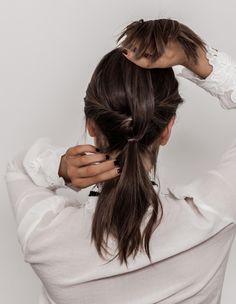 HÅRFRISYRE TIL 17. MAI PÅ FEM MINUTTER – Emilie Tømmerberg Long Hair Styles, Beauty, Long Hairstyle, Long Haircuts, Long Hair Cuts, Beauty Illustration, Long Hairstyles, Long Hair Dos