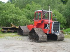 Massey Ferguson 1250 on Steel tracks
